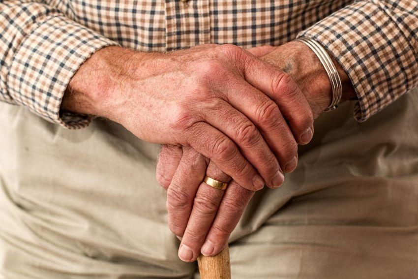 Covid-19: cuidados a ter com idosos
